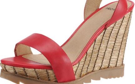 W oczekiwaniu na wiosnę: kolorowe sandały Bronx