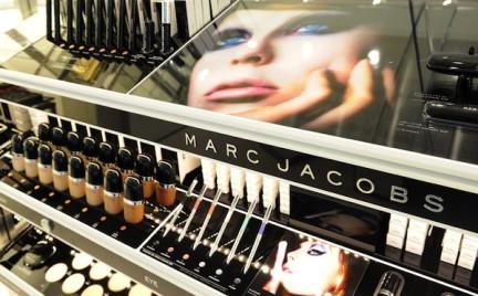 Kosmetyki kolorowe Marc Jacobs testowane na projektancie