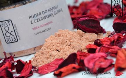 Kosmetyk tygodnia: pudry i sole do kąpieli Pat Rub
