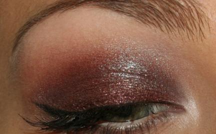 Makijaż 91 - świetliste bordo