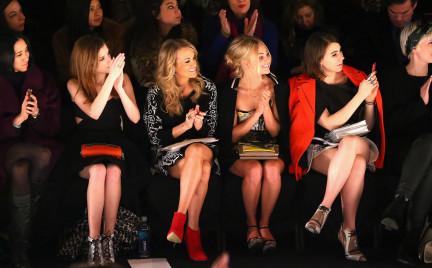 Miejsca w pierwszych rzędach pokazów mody: od teraz na sprzedaż
