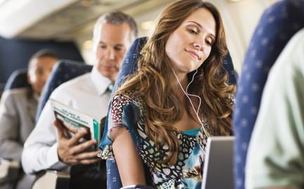 Jak zadbać o skórę przed i w czasie lotu samolotem