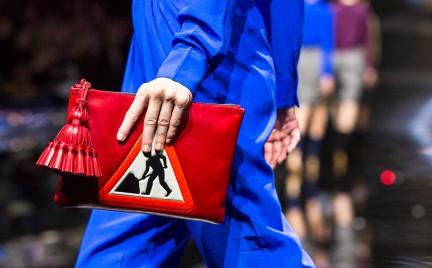Hit czy kit: torebki inspirowane znakami drogowymi