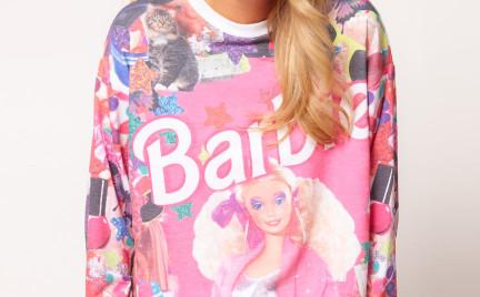 Co o tym myślicie: dres z Barbie w Asosie