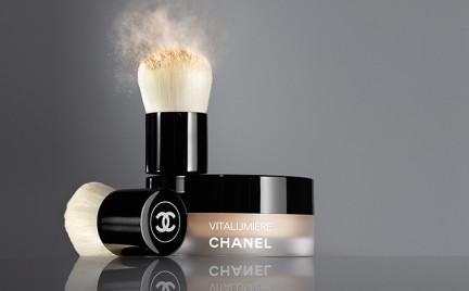 W poszukiwaniu podkładu doskonałego: Loose Powder Fundation z linii Vitalumiere Chanel
