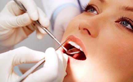 Polacy wstydzą się dbać o zęby