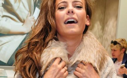 Anna Mucha w naturalnych futrach kibicuje kolejnemu salonowi producenta futer
