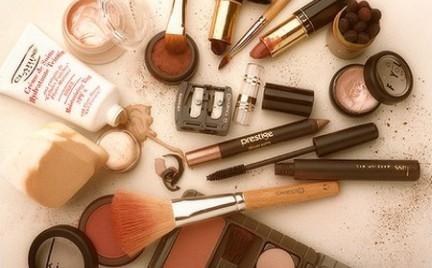 Przechowywanie i użytkowanie kosmetyków - o czym powinnaś wiedzieć