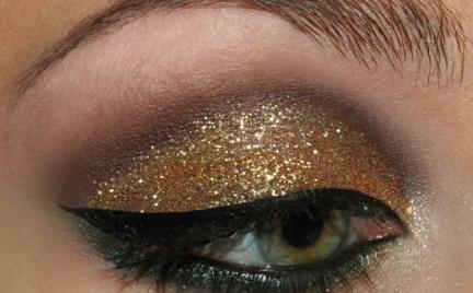 Makijaż 85 - złoty brokat
