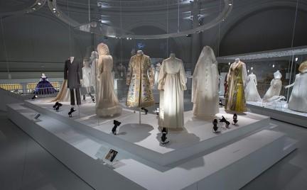 Najsłynniejsze suknie ślubne w Victoria Albert Museum