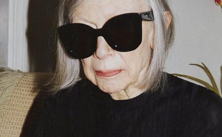 80-letnia dziennikarka Joan Didion w kampanii C line