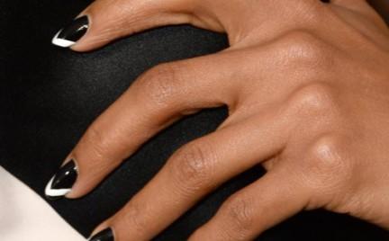 Najmodniejszy trend sezonu: geometryczne paznokcie