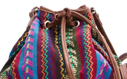 Etniczna inspiracja: torebka w peruwiańskim stylu