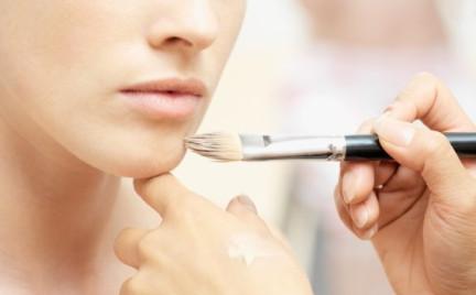 ABC makijażu: dobór podkładu