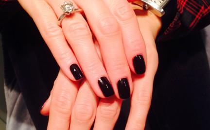 Sprawdziłyśmy na sobie: manicure tytanowy