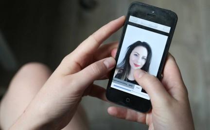 Beauty Mirror wirtualny chirurg dla amatorów selfie