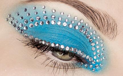 Makijaż: Biżuteryjne Spojrzenie