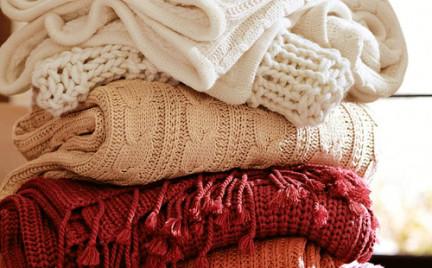 Swetry na pierwsze jesienne dni. Przegląd oferty sieciówek