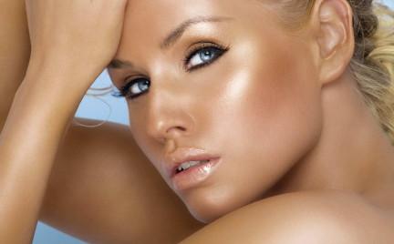 Kosmetyczne TOP 5: Pudry brązujące