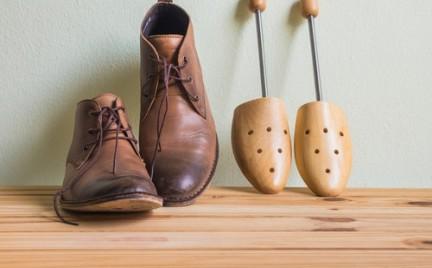 Jak rozciągnąć za małe lub za wąskie buty