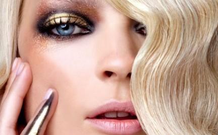 Krok po kroku: złoty makijaż z wybiegów