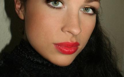 Makijaż 87 - czerwone usta