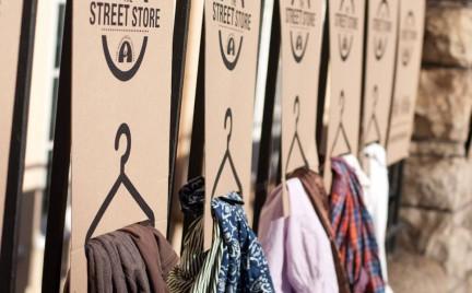 The Street Store - tymczasowy butik dla bezdomnych. Dobry pomysł