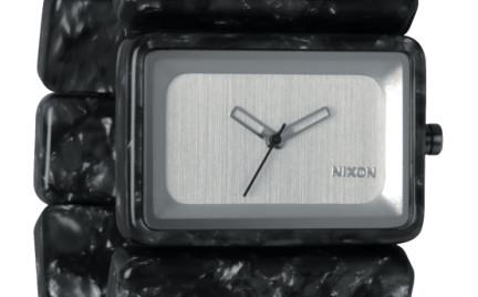 Zegarek Nixon: innowacyjna forma i maksimum wygody
