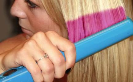 Fryzjerstwo przyszłości: prostownica która zmienia kolor włosów