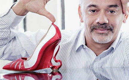 Charytatywne pantofle Angeliny Jolie i Christiana Louboutina. Możesz je mieć za 5000 zł