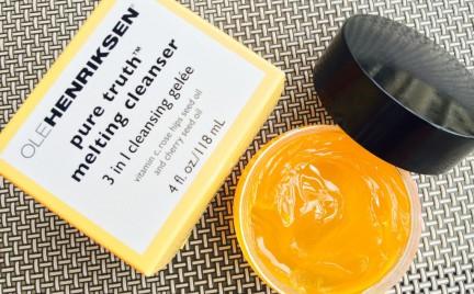 Nowy trend w pielęgnacji skóry. Kosmetyki o zmieniającej się formule