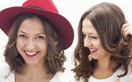 Jesienne fryzury: upięcie pod kapelusz w stylu fedora
