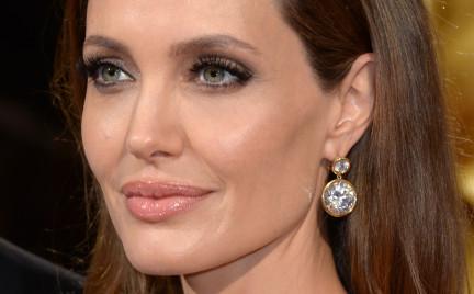 Zapobiegliwa Angelina Jolie. O przewadze mózgu nad jajnikami