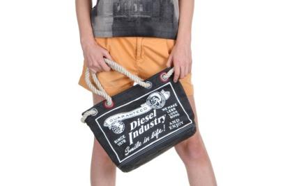 Hit na lato: papierowa torba Diesel