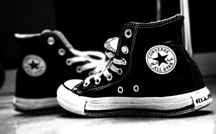 Imitacje kultowych trampek Converse pod ostrzałem