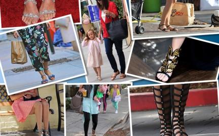 To jest modne Gwiazdy w płaskich sandałach
