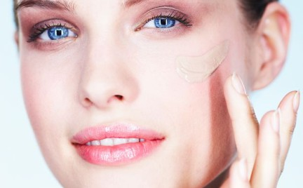 W poszukiwaniu podkładu idealnego kosmetyki wielofunkcyjne