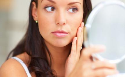 Jak latem utrwalić makijaż
