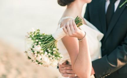 Snobka bierze ślub: suknia z sieciówki
