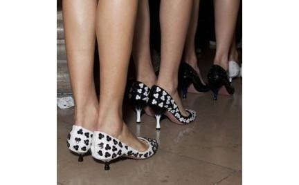 Kitten heels czyli niskie obcasy powracają