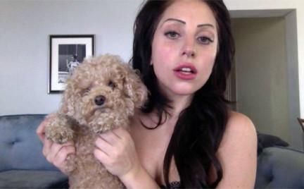 Lady Gaga i jej cienkie brwi
