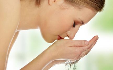 Na każdą kieszeń: testujemy żele do mycia twarzy