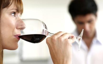 Alkoholicy to nie tylko ludzie z marginesu...