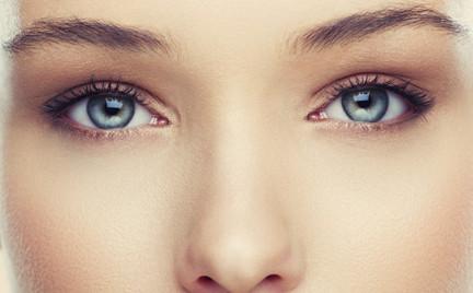 Korekcyjny makijaż oczu triki wizażystek