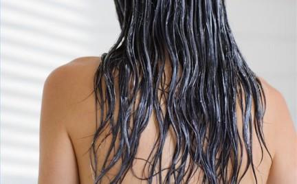 Kiedy używać odżywki Przed czy po myciu włosów