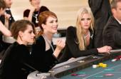 Chanel w kasynie. Rozgrywka o tweed tiul i pióra z kolekcji haute couture jesień 2015