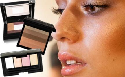 Na każdą kieszeń: rozświetlacze w letnim makijażu