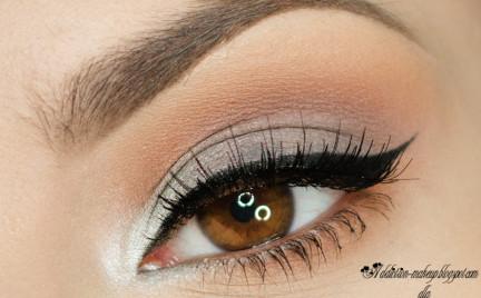 Makijaż: stonowane oczy i akcent na usta