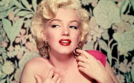 Kobiety oszalały na punkcie implantu podbródka. Chcą wyglądać jak Marilyn Monroe