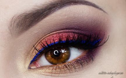 Makijaż: Kobaltowa kreska